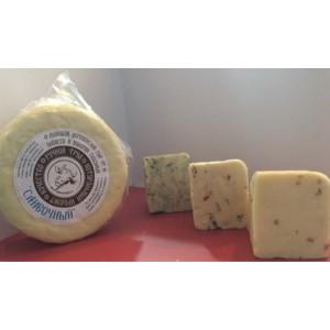 Деревенский сливочный сыр с зеленью и чесноком, 200 г, вакуум